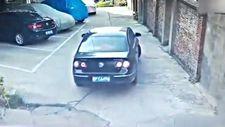 Çinli sürücünün park etme çabası