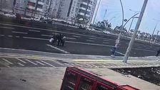 Diyarbakır'da yolun karşısına geçen adama otomobil çarptı