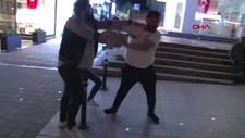 Bağdat Caddesi'nde kutlama yapan taraftarlara saldırı
