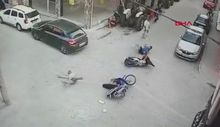 Kazayı ucuz atlatan sürücüler tokalaşıp ayrıldı