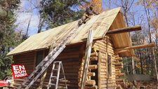 Kanadalı adam kendine ahşaptan ev yaptı
