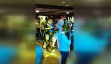 Düğünde halay çeken Transformers Bumblebee