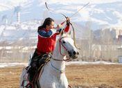 Öğretmen atı Boksör ile Akıncı Toyu'na hazırlanıyor