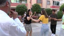 Adana'da boşanmasını davul zurnayla kutladı