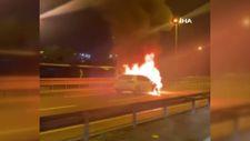 E-5 karayolunda bir otomobil alev alev yandı