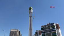 Diyarbakır'da dev karpuz heykeli yerine yerleştirildi