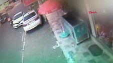 Kartal'da moto kurye kız çocuğuna çarptı