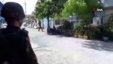 Myanmar'da protestocuların saklandığı eve roketatarlı saldırı