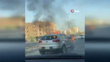 Suudi Arabistan'da yanan aracı halatla bağlayıp çekti