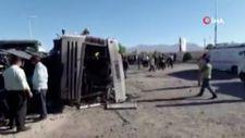 İran'da askerleri taşıyan otobüs kaza yaptı