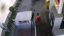 Sakarya'da dalgın sürücü, benzin pompasını kopardı