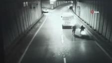 İstanbul'da tünelde yapılan gasp kamerada