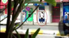 Sultanbeyli'de yasa dışı bahis oynadı, ATM'nin önünde yakalandı