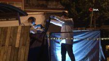 Bağcılar'da ailesiyle parkta oturan şahıs, tartıştığı iki kişiye kurşun yağdırdı