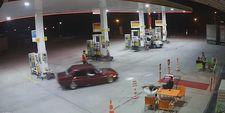 Afyonkarahisar'da benzinlikte drift yapan maganda
