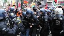 Alman polisinden gazetecilere coplu saldırı