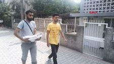 Adana'daki baba, bir aylıkken ölen bebeğini kucağında taşıdı