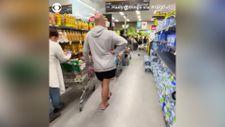 Avustralya'da kısıtlama öncesi alışveriş kuyruğu