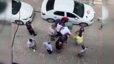 Bahçilevler'de iki aile sokak ortasında birbirine girdi