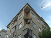 Güngören'de bir binanın 3. katındaki balkon çöktü