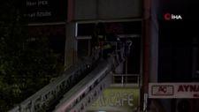 Sivas'ta internet kafe yangını, bekçiler sayesinde söndürüldü