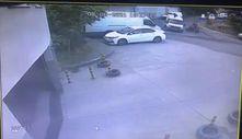 Kağıthane'de minibüs şoförü, motosiklet sürücüsünü murç ile darbetti