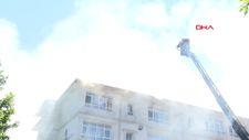 Bağcılar'da ilkokulun çatısında yangın çıktı