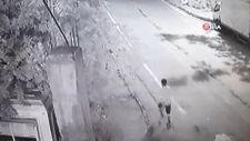 Gaziosmanpaşa'da genç kadına kapkaç şoku kamerada