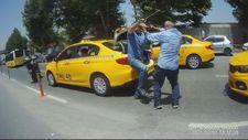 Fatih'te iki taksici sopalarla birbirine saldırdı