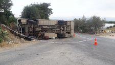 Mersin'de trafik kazası: Tarım işçilerini taşıyan minibüs devrildi