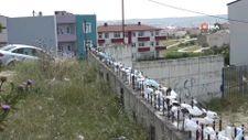 Arnavutköy'deki pandemi hatıra duvarı