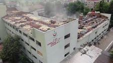 Bursa'da Zübeyde Hanım Doğumevi Hastanesi yıkıldı