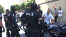 Antalya'da düğün konvoyundan rastgele ateş edip, polisleri peşine taktı