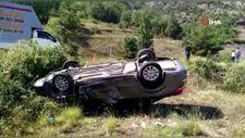 Bursa'da kaza yapan otomobil tarlaya uçtu: 2 yaralı