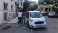 İstanbul'da arabanın camından öz oğlunu sarkıtan baba tutuklandı