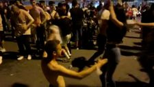 Beşiktaş'ta gençler, koronavirüs yokmuşçasına dans etti