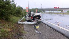 Kağıthane'de yağmur nedeni ile kayganlaşan yolda kaza