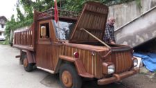 Rize'de 1988 model otomobilini kamyonete çevirdi