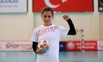 Şanlıurfalı minik hentbolcu Merve Akpınar: Köyümün kız çocuklarının kaderini değiştireceğim