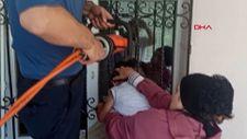 Tokat'ta 4 yaşındaki çocuğun başı demir parmaklara sıkıştı