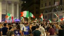İtalya Milli Takımı'nın EURO 2020'de finale çıkması Roma'da coşkuyla kutlandı