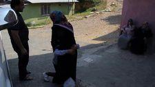 Sultangazi'de kaybolan küçük kızın annesi ile kavuşma anı