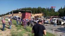 Uşak'ta zincirleme kaza: Tır kırmızı ışıkta bekleyen araçlara çarptı