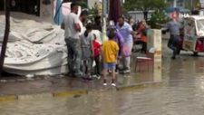 Iğdır'da 5 dakikalık sağanak yağmur sokakları göle çevirdi