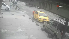 Sultangazi'de taksici, parası yetmeyen yolcunun cep telefonunu çaldı