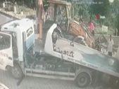 Kağıthane'de yokuş aşağı kayan kamyonet devrildi: 1 yaralı