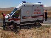 Kahramanmaraş'ta tarım işçilerini taşıyan kamyonet şarampole devrildi
