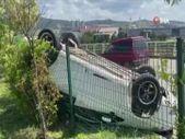 Karabük yoldan çıkan otomobil devrildi