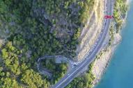 Antalya'da mesire alanı girişinde piknik kuyruğu