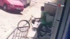 Adana'da bisikleti çalınan genç: Hep garibanları buluyorsunuz